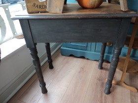 Lovely painted pine table with side draw