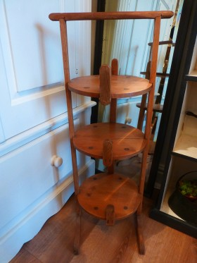 Old pine plate stand